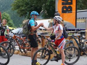 Die geführten MTB-Touren der beitune Guides machen den Alpen-Bike-Gipfel zu einem unvergesslichen Wochenende.