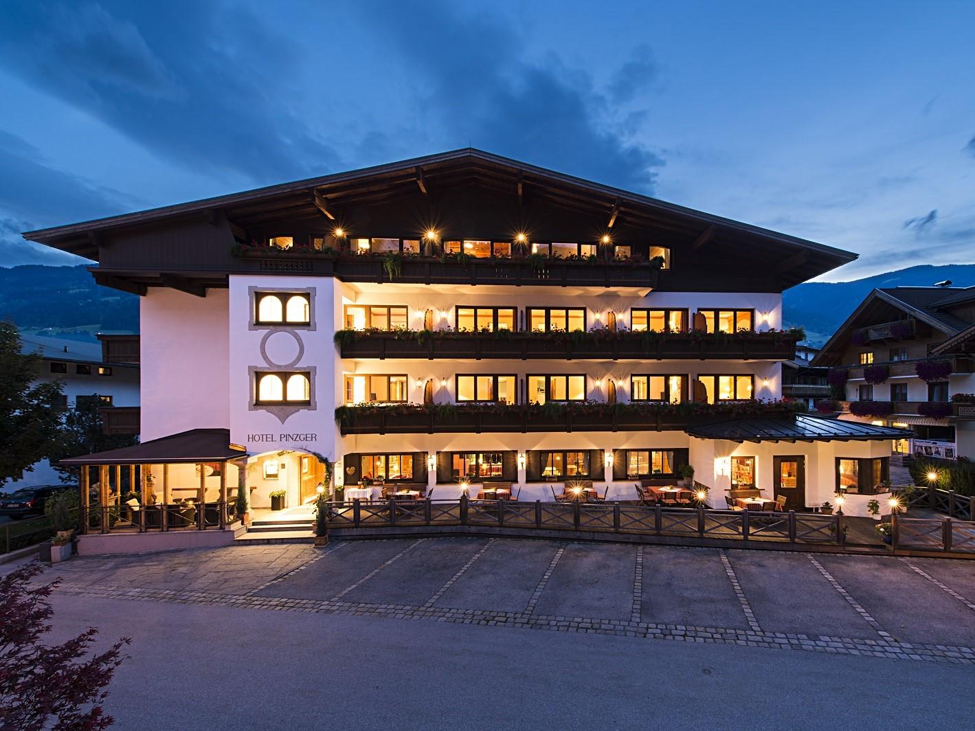 Das beitune Partnerhotel Hotel zum Pinzger liegt im Zillertal und ist der perfekte Startpunkt für die Alpenüberquerung