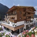 Das beitune Partnerhotel Post in Kappl ist unser Ausgangspunkt beim Alpen-Bike-Gipfel in Tirol.