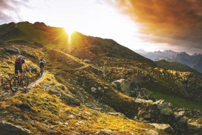 Verschenke einzigartige Bikemomente im Schwarzwald oder in den Alpen mit einem beitune Geschenk-Gutschein, einem Wert-Gutschein oder einem Last-Minute-Gutschein